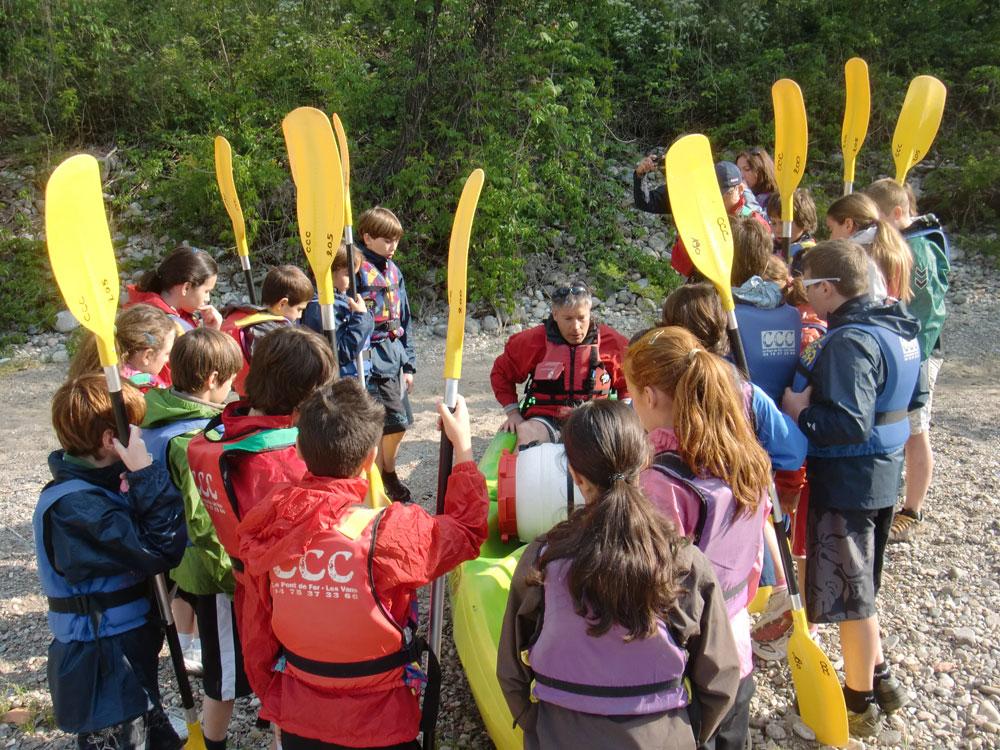 Accompagnement de groupes en canoë sur le Chassezac